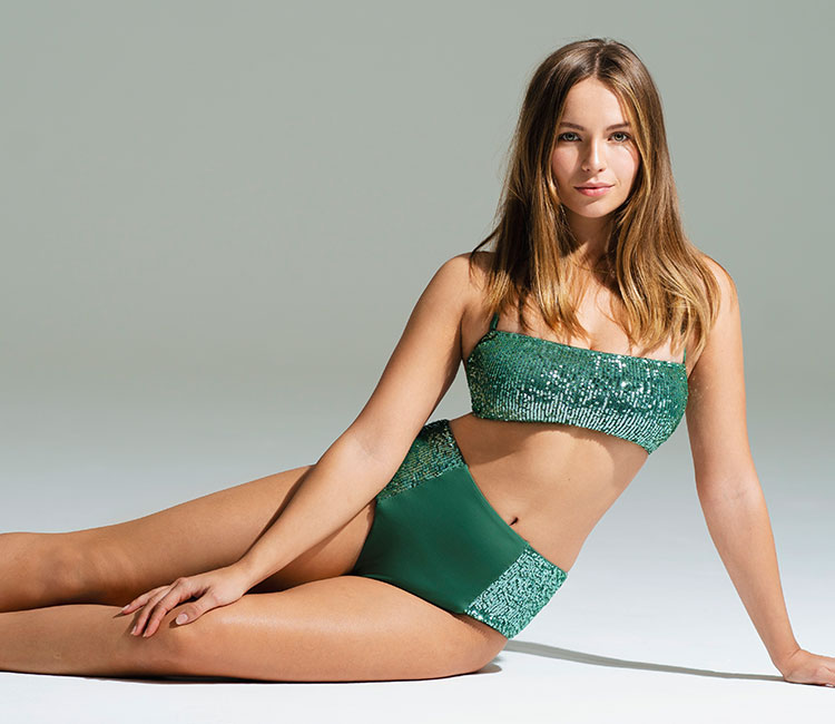EMMA LOUISE CONNOLLY LOVES CALZEDONIA