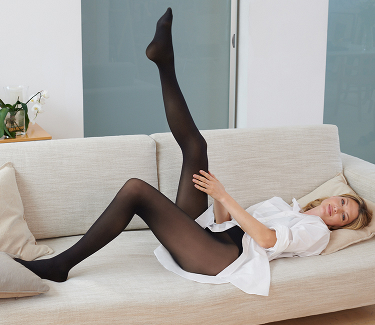 INVISIBLE TIGHTS